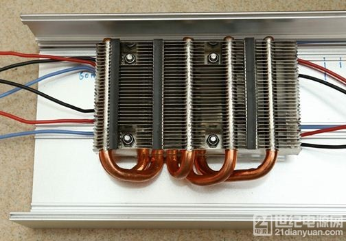 安装散热器.JPG