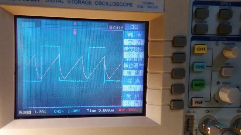 方波频率是5脚三角波的一半