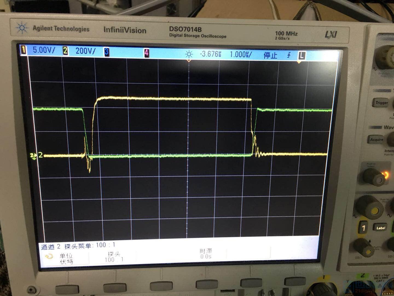 MOS管GS端(黄)和DS端(绿)波形