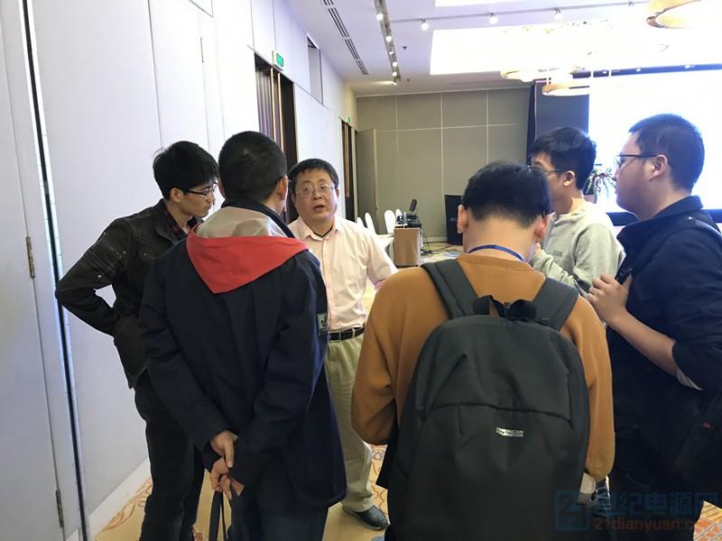许逵伟课后答疑照片_副本.jpg